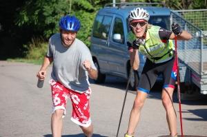 Danmark och Sverige. Alltid kul med cykelsällskap på rullskidor.