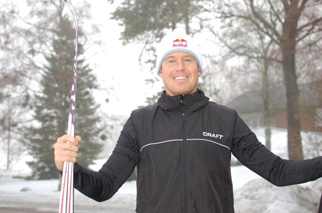 """När Jonas Colting och jag tränade sist sade han """"skidåkning är min nya sport"""". Så frälst är han. Jag fick gå på hans trevliga föreläsning i tisdags och igår vallade jag hans skidor inför Ymerloppet i Borås."""