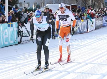 Fredic Uusitalo spurtar mot Håkan Löfström.