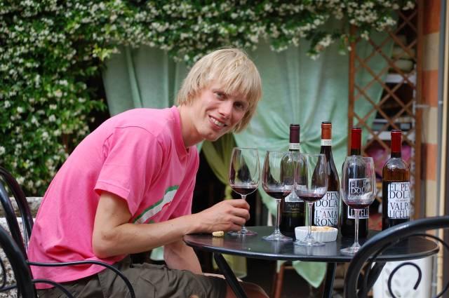 Dagens första vinprovning, hos producenten El Pendola. Fantastiskt gott, kul och intressant. Väldigt nära himmelriket.