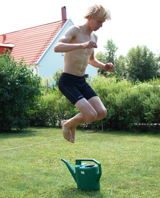 Spänstträning på en annan gräsmatta.