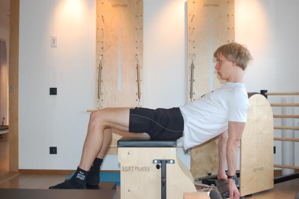 I den här övningen tränar jag båda mina akilleshälar (magen och ryggen) samtidigt. Jobbigt som fan.