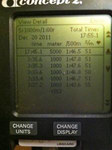 Displayen på SkiErgen efter 5 st 1000 mters-intervaller med 1 minuts vila.