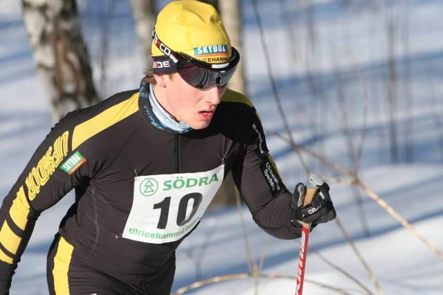 Snygge-Marcus står på startlinjen idag. Kul! Han operade knäet 22 december.