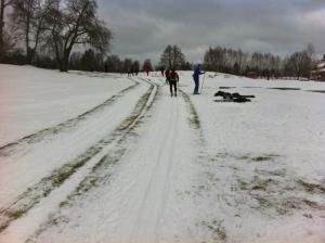 En stor eloge till arrangörerna som skottat ihop en slinga på 8,5 km. Härligt jobbat!