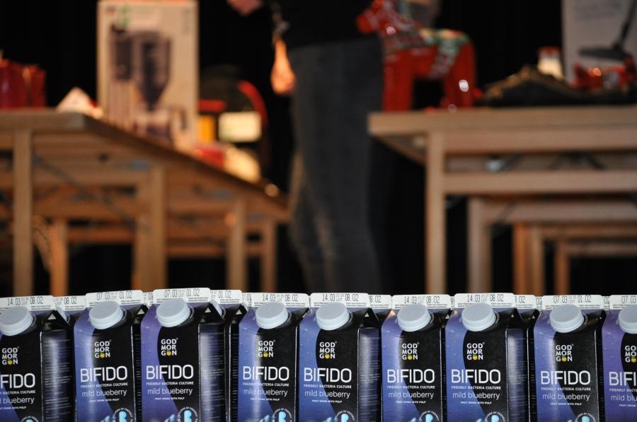 Olle drack en liter blåbärssoppa med mjölksyrabakterier efter målgång, vilket fick Bäckhammars pappersbruk att lukta gott i jämförelse
