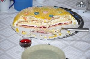 Anders Walls besök i Ed renderade i en extra tårta i Vejbystrand