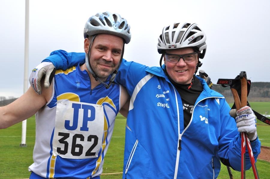 Magnus Aasa och Jonas Larsson från Team Skidforum