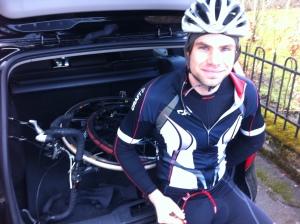 Triathleten och brandmannen Robert Malmgren, nu med kombi.
