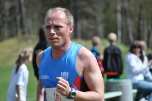Per Löwendahl åkte Skarverennet för bara några veckor sedan. Han vägrar åka Vasaloppet och tror han är häftig bara för att han åker en massa norska skejtlopp på våren.