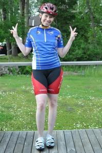 Ida med CK Uni-tröja (Uppsalaklubb), Borås CA-byxor anno gamla, pryltestskor och typ ICA-hjälm. Mot toppform!