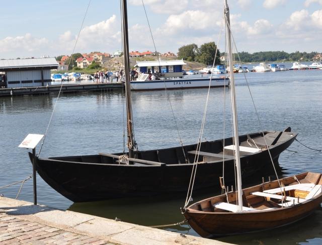 Stiliga Blekingsekor i Karlskrona hamn som våra vänner Mårten, Sofia och Linnéa gav sig ut med i fredags. Klicka på bilden för mer info.