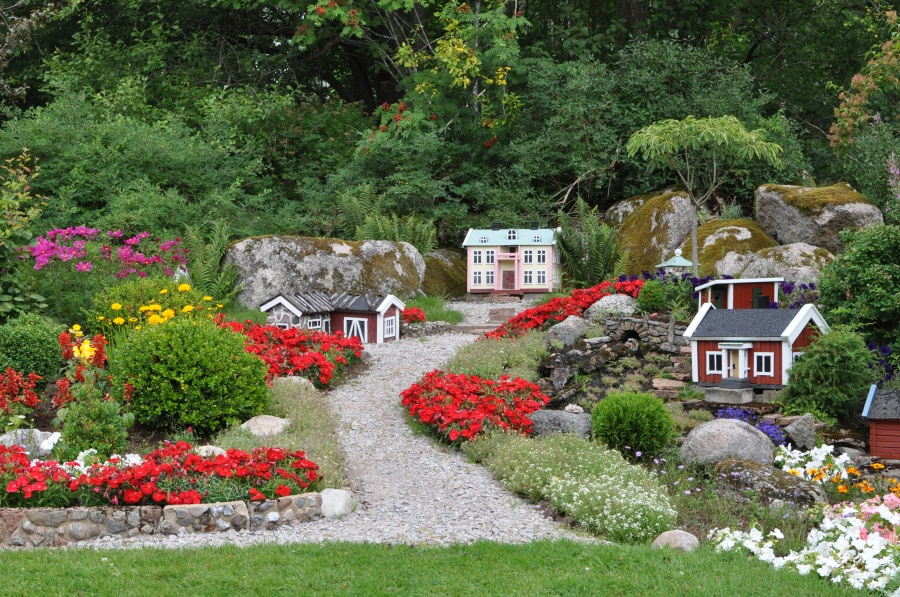 Blomstergården i Eringsboda liknar inget annat, här en miniatyrby
