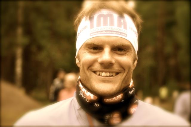 Den nye svenske långloppsstjärnan Jimmie Johnsson fick vara med och vinna VasaStafetten, i laget Idrottsarrangören Mats Andreasson AB