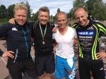 Sören Kannius och hans trevliga vänner. De åker till Danmark och cyklar på vardagskvällar och tjatade hela lunchen om att jag skulle med. Då åker jag hellre till Säffle och springer deras elljusspår och åker hem samma dag. Eller kanske Årjäng.