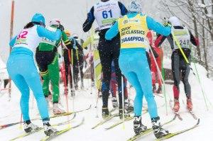 Tight om plats långt in i racet. På denna bild syns Jenny Hansson, Serain Boner (gul ledarväst), Samuel Norlén och jag.