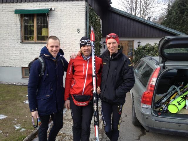 """Martin Josefsson, Mattias """"Z"""" Carlzon och jag efter en tur till Ulricehamn i lördags. Mycket sol, mycket trevligt och pryltoken Z har naturligtvis nöjd med att ha fått testa Madshus Redline."""