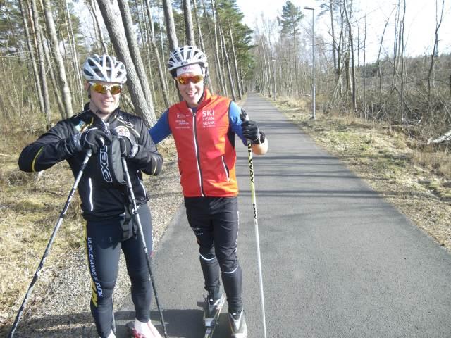 Jochen och Rickard på Flygarstigen mellan Skälderviken och Havsbaden. En av Sveriges rakaste raksträckor.