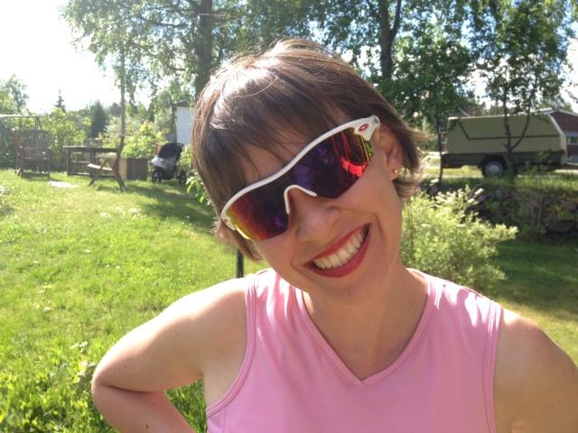 Idas testade läppstift igår inför helgens festligheter och ställde därefter ut på 6 km terränglöpning i 6.30 min/km-fart i mina brillor.