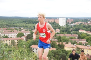Jag sprang om Henrik Lövås i Hammarbybacken med drygt 2 km kvar till mål, men han återuppstod och smet förbi bara 150 m före mål