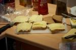 Norrmän äter mycket bröd. Väldigt mycket. En typisk norsk skidåkarlunch består av fyra mackor, gärna med ost, sylt och chokladsmör.