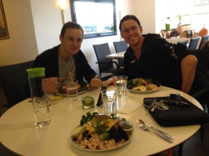 Jag lunchade med Jojje Borssén och Jonas Colting idag på Raw Food Café vid busstorget...