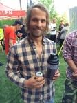 Jonas Häggdahl har märkliga matvanor och dricker här öl varvat med en otäck sörja bland annat bestående av grönkål