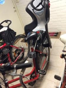 Barnstol på svärmors cykel