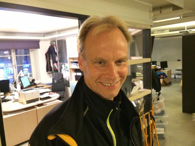 Tommie, grundare av Stockholms Rullskidsklubb, där flera av mina adepter tränar. Han kör 600 mil rullskidor om området. Inte dåligt av en badmintonspelare.