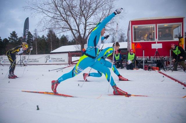 Oscar Persson vinner Intersportloppet 2015 en burkvallelängd före Jack Impola. Foto: Adam Johansson, Adamediamedmera.