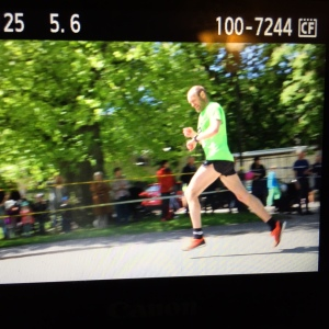 Odd-Bjørn Hjelmsedt sprang på höga 1:11.