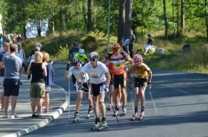 I klungan på tredje varvet. Foto: Johan Trygg.