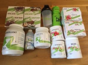 De Skip-produkter som jag använder, bland sportdryck med och utan koffein, geler med och utan koffein, barer och återhämtningsdrycker
