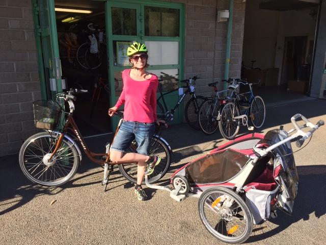 Att dra två barn i en Chariot är lättare med el än utan