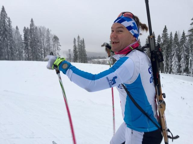 Robin Bryntesson tränar inför den norska skidskyttepremiären. Den kille slutar aldrig att förvåna.