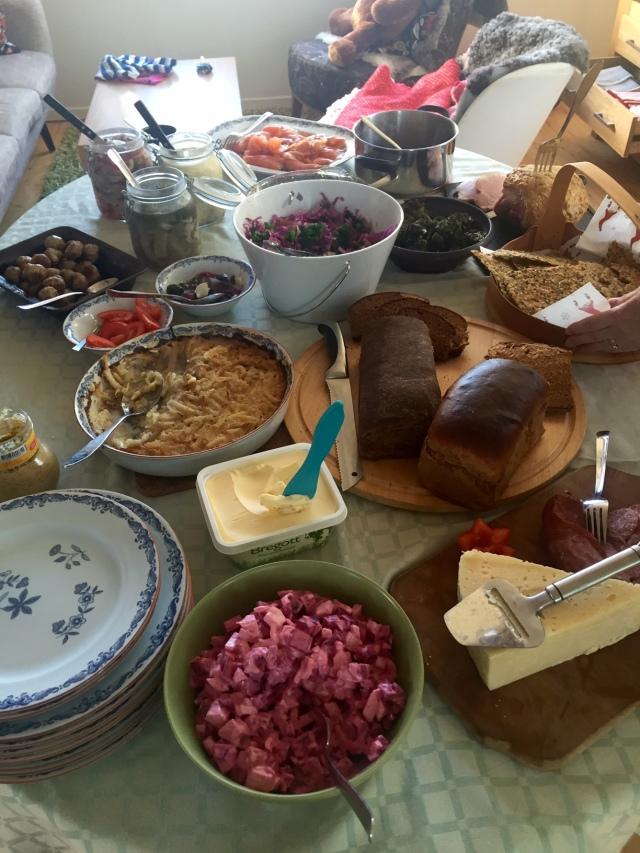 Julbord med Idas släkt. Janssons frestelse är min favorit.