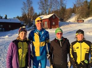 I eftermiddag börjar jag lektionerna med Stockholms rullskidklubb. Men de är redan på plats och nöter mil!