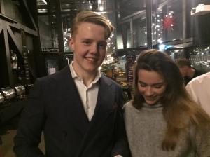 Love och Carro, som assisterade Jonas Colting under Sverigesimmet