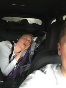 Jag kollen på Holmenkollens femmil på en iPad på väg till Filipstad, men somnade antagligen när Sundby akterseglade de övriga