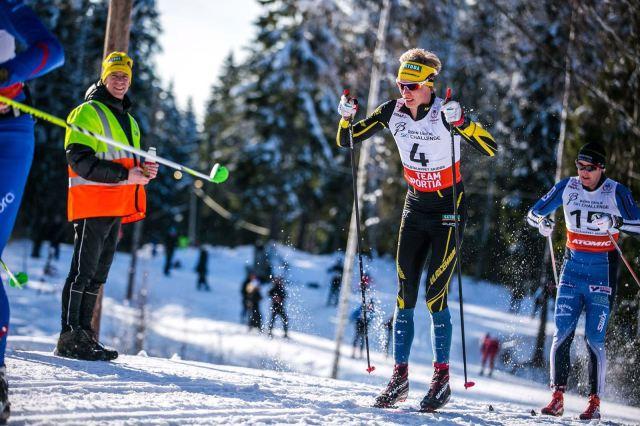 Långa raggsockar utanför tävlingsdräkten känns helrätt. Men jag är på jakt efter ett par snyggare än de på bilden. Tipsa gärna! Foto: Anders Claesson.
