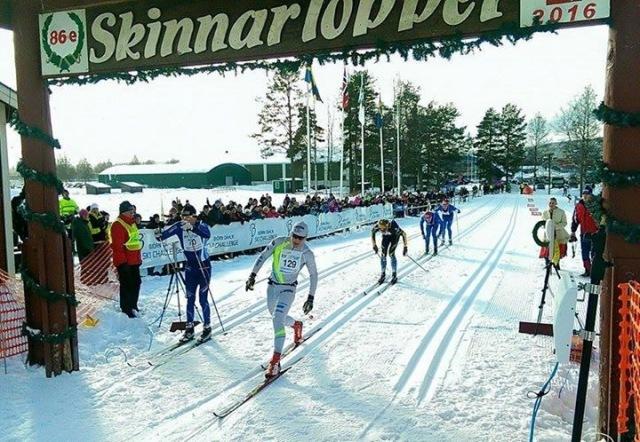 Så här såg upploppet ut i Skinnarloppet 2016. Oscar Persson vinner före Dan Moberg, Erik Wickström, Andreas Holmberg och Lars Suther. Foto: Bjørn Dählie Ski Challenge.