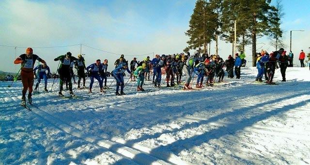 Och här är starten av Skinnarloppet 2016. Foto: Bjørn Dählie Ski Challenge.