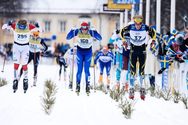 Erik Wickström spurtar in som 60:e man i Vasaloppet 2016. Kände mig riktigt stark på slutet och vann klungspurten på nio man, närmast före Vegard Vinje och Andreas Holmberg. Foto: Magnus Östh.
