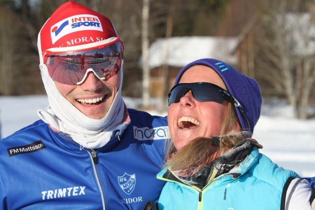 Daniel Svensson och Astrid Øyre Slind var ute och träningsåkte under måndagen, här i Evertsberg