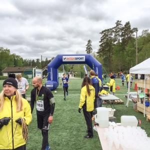 Målgång på Sjömarkens IF:s konstgräsplan. Här har jag gjort många fotbollsträning med varm saft. På den tiden var det en grusplan.