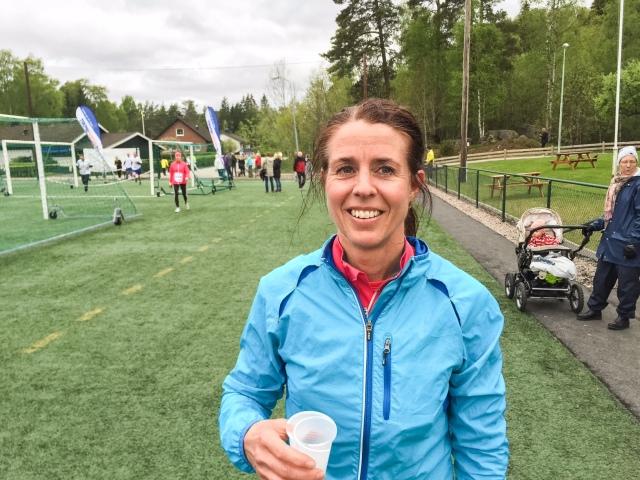 Catharina Ramhult blir 50 år i höst. Hon slutar aldrig att imponera. Inget bra tid för att vara henne igår, 42.01 min, men seger. Få 50-åringar som rår på henne.