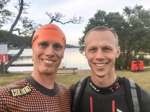 Martin Josefsson och jag vid Almenäs inför mitt längsta öppet vatten-pass någonsin