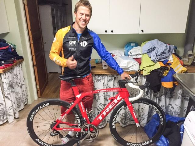 Listpriset på Jochens cykel är 138 000 kr. Även om han fick lite rabatt var den inte exakt gratis.