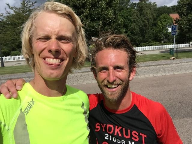 Jockum Beck-Friis and jag vid parkeringen vid Margretetorps Gästgifvaregård