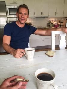 Efter passet åkte och till Z i Dalsjöfors och blev bjuden på det han och jag gillar typ mest på hela jorden: kaffe med ostmacka.
